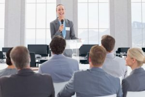 businessman-furniture-monitor-presentation-working_1134-690